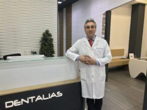 EL REPUTADO DOCTOR Y CIRUJANO PLÁSTICO EDUARDO SERNA RESPONDE A TUS DUDAS SOBRE EL INJERTO CAPILAR