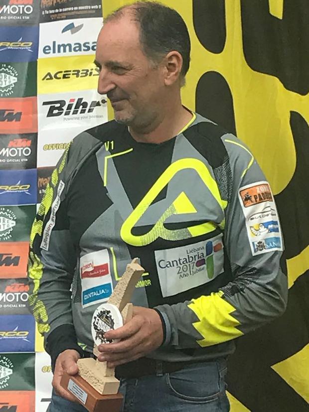 Chus Puras subió al podio, como tercero en su categoria, en el raid Tineo Tuñas de Asturias