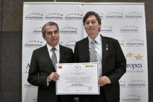 Adam Fernández, protésico oficial de la Clínica cántabra Dentalias, Medalla de Oro al Mérito en el Trabajo