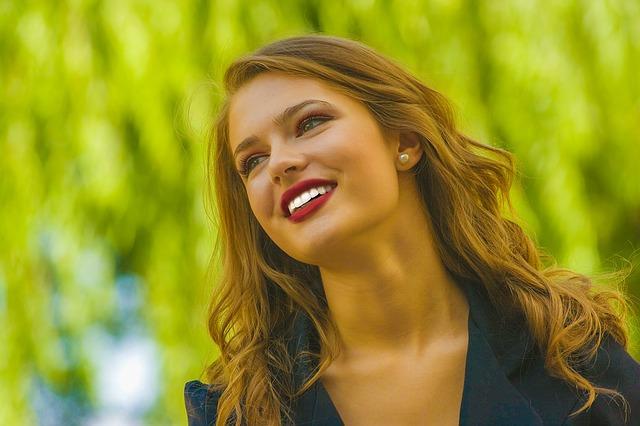 Las ventajas del blanqueamiento dental en Dentalias