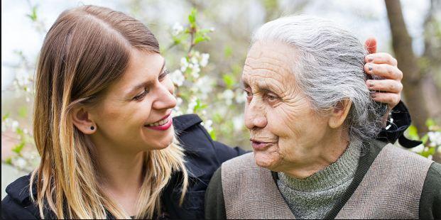Según El Confidencial, un estudio refuerza la teoría de que el Alzhéimer puede tener su origen en una infección bucal