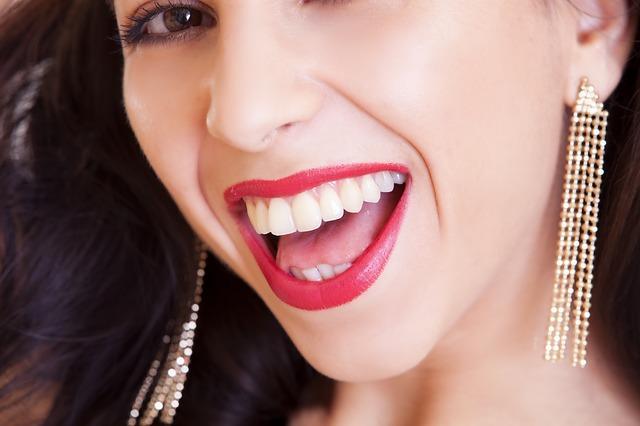 La Solución A Las Orejas Rasgadas En Santander Dentalias clinica dental santander cantabria centro estetica