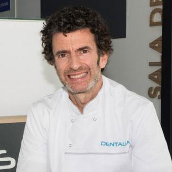 Dr. Julio Urtasun