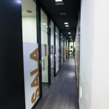 instalaciones clinica dental en santander pasillo despachos tratamientos